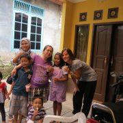 Familia Indonesia. Viatge. Berta Torras
