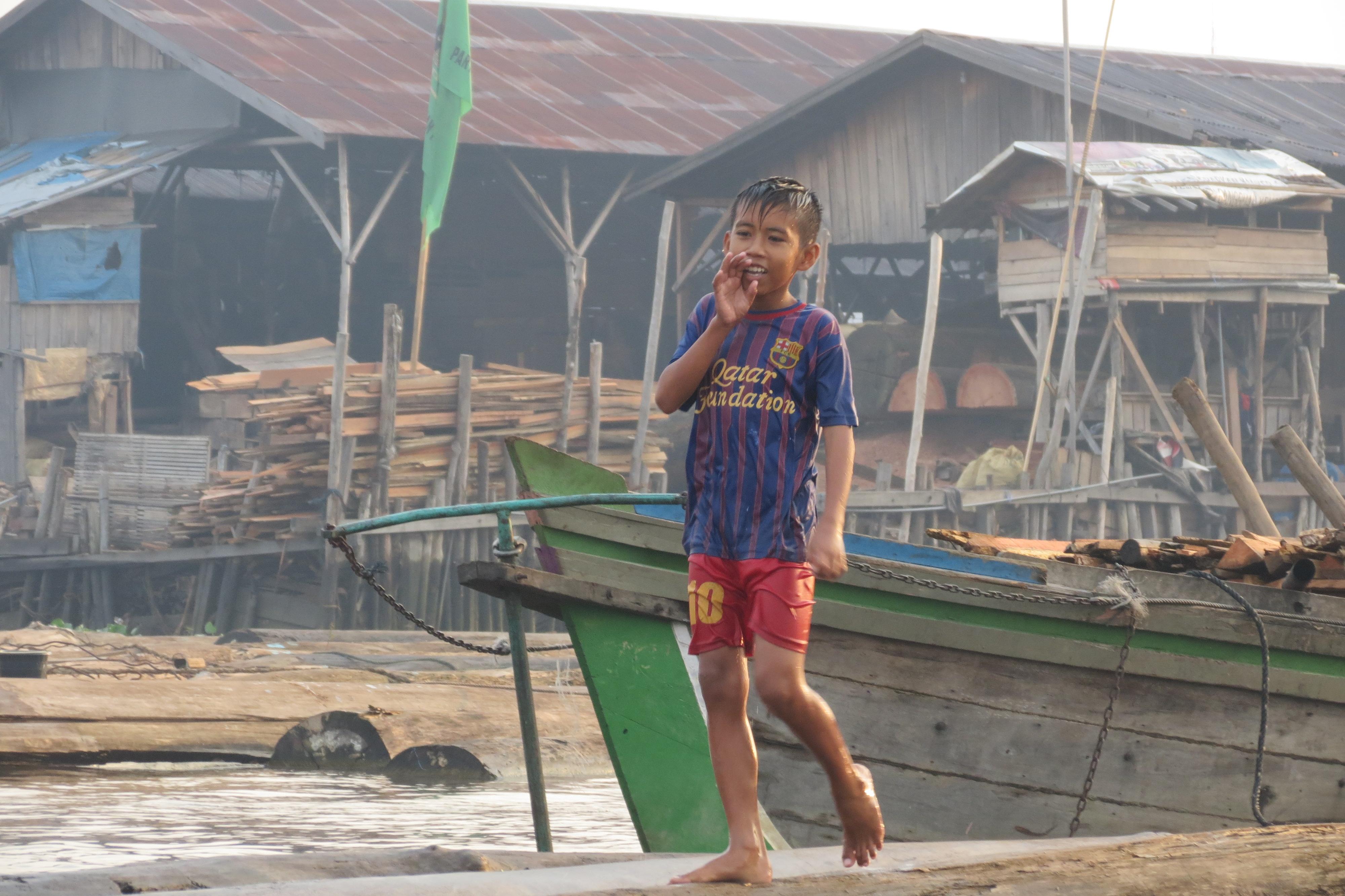 nen floating market kalimantan