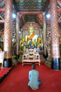 meditation meditant Berta Torras Luang Prabang