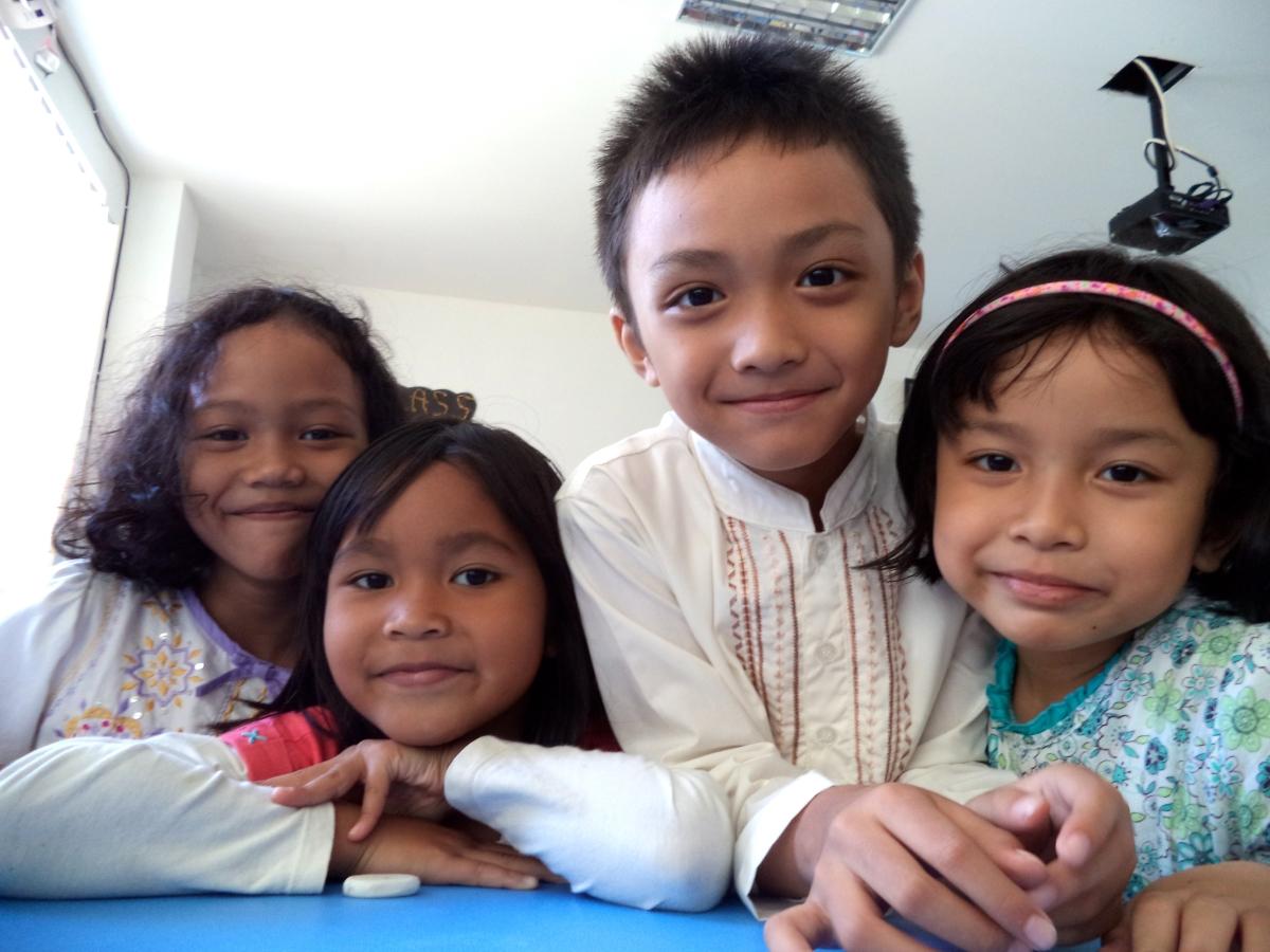 nens escola Bogor Indonèsia